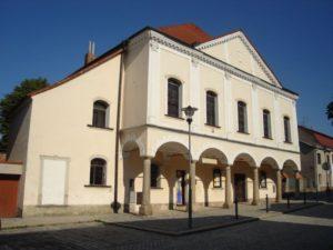 Trešť synagoga